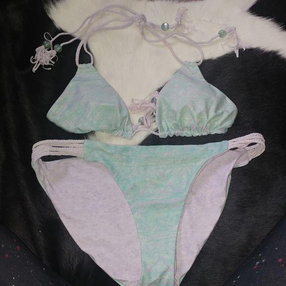 saucy moonchild fashion house Other - Reversible double string mint / lavender bikini
